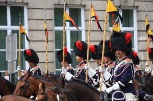 21 juillet escorte-royale-belge-a-cheval (1)